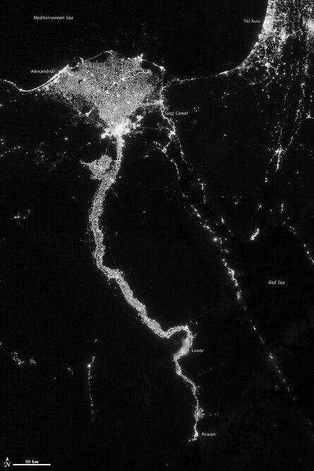 Nocny widok Doliny Nilu (NASA Earth Observatory/NOAA NGDC)