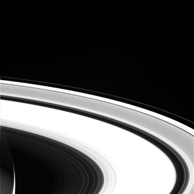 Ostatnie zdjęcia sondy Cassini