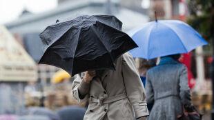Prognoza pogody na jutro: jesienna aura nie daje za wygraną. Pokropi i powieje